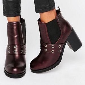ASOS - PARK LANE Eyelet Heeled Chelsea Boots